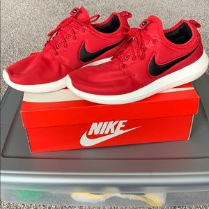 Nike Roshe Two | Red and white | used